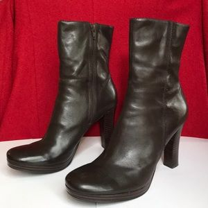 Vintage dark brown Charles David leather booties